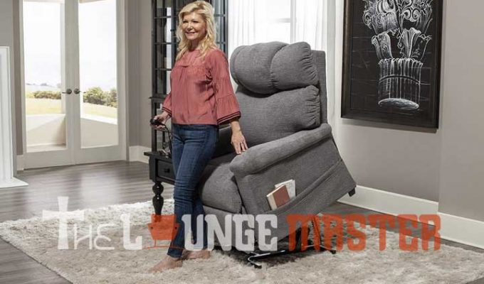 Top 10 Best Recliner for Elderly Woman – 2021 Reviews